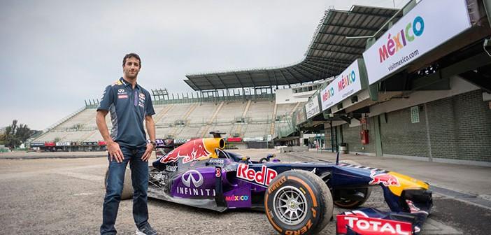 Formula 1: CARLOS SAINZ Y DANIEL RICCIARDO PRUEBAN LA NUEVA PISTA DEL AUTÓDROMO HERMANOS RODRÍGUEZ EN LA CIUDAD DE MÉXICO